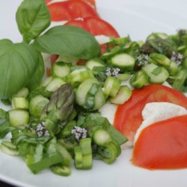Mandel-Mozzarella mit grünem Spargel