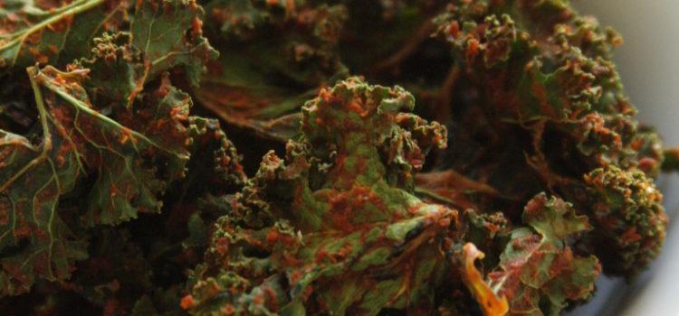 Durchstarten mit Grünkohl-Paprika-Chips