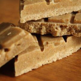 Zartschmelzende Weiße Karamell-Schokolade
